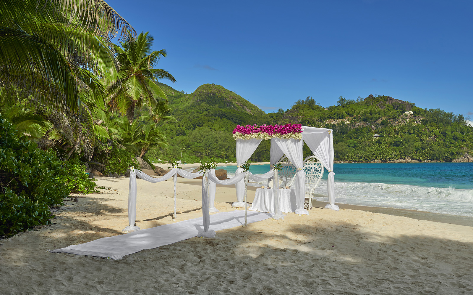 btscsc_ap_0415_beach-wedding_hr0015