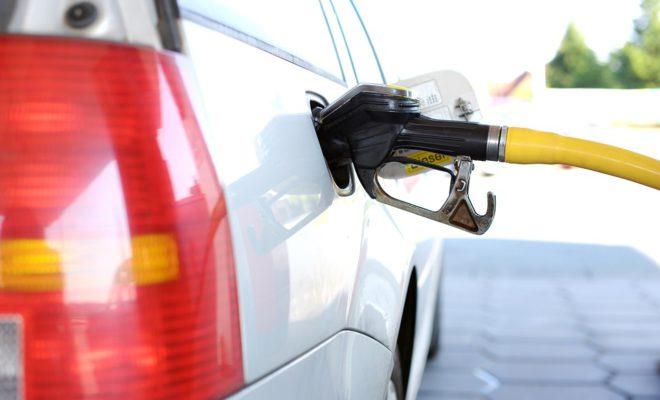 Автомобильное топливо за месяц еще подорожало