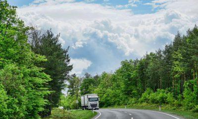 грузовой автомобиль дорога