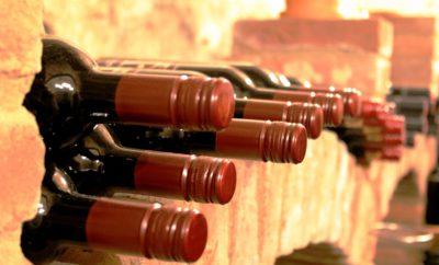 вино бутылки подвал для хранения