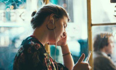 девушка телефон разговор