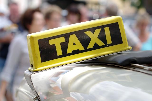 Для такси надо поднять стоимость ОСАГО